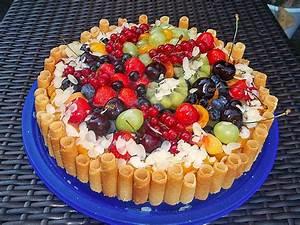 kuchen mit quark und früchten