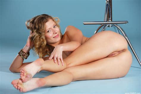 Non Nude Trixie Model Nn