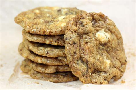 recette cookies nestle dessert cookies aux noix de macadamia et p 233 pites de chocolat