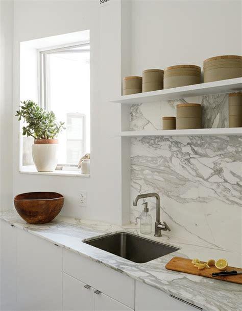 marbre de cuisine plan de travail marbre sublimer sa cuisine avec un