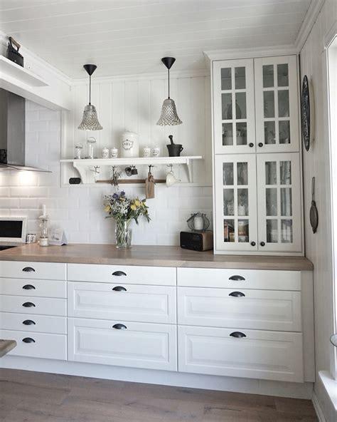 vitrine cuisine ikea ikea kitchen behindabluedoor behindabluedoor kitchen