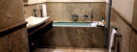 Vasche Da Bagno In Pietra by Bagno In Travertino Pavimenti Rivestimenti Lavabo Top