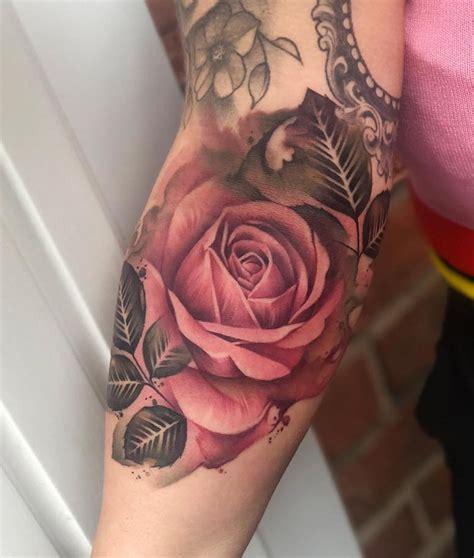 Tatuagens de rosas Significado e + de 80 inspirações de