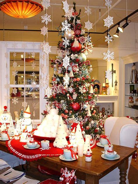 modern house christmas home decor  christmas tree