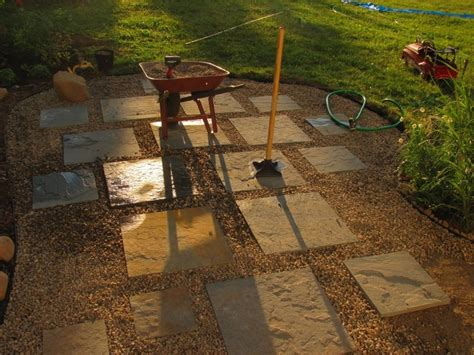 Pea Gravel Patio Ideas by Variegated Bluestone Set In Pea Gravel Patio Diy
