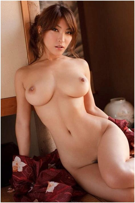 Curvy Busty Asian Gfs Posing For The Camera Pichunter