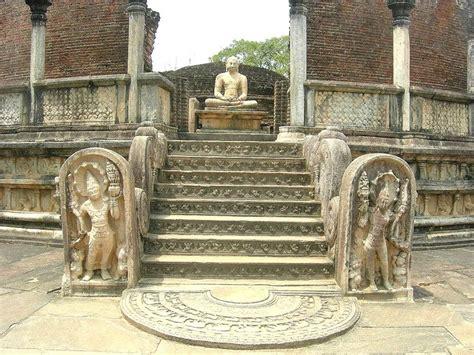 historical places  sri lanka polonnaruwa