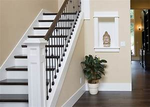 peinture sur escalier bois wikiliafr With delightful peindre des escalier en bois 1 peindre un escalier en bois technique et conseils