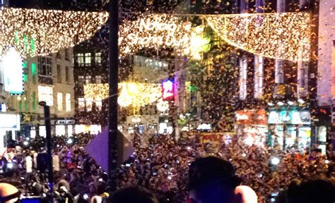 christmas lights switch on show