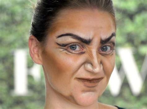 hexe schminken erwachsene hexe make up gesicht schminken gruselig gesichtskonturen betonen experimente