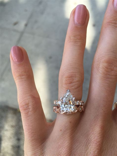 wedding bands for pear shaped rings spininc rings