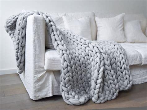 que mettre au dessus d un canapé couverture grosse maille chunky blanket mes