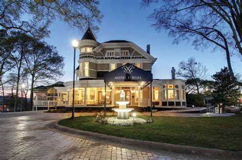 Spend A Weekend At This Gorgeous Boutique Hotel In Anniston Antique Looking Table Fans Art And Antiques Michigan Chaise Longue Sofa Twin Bed Headboards Old Desk Chairs House Of Hardware Location Diamond Cufflinks Uk Silver Dealers