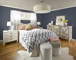 Chambre Gris Blanc : chambre grise et blanche 19 id es zen et modernes pour se d marquer ~ Melissatoandfro.com Idées de Décoration