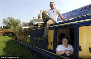 Living On A Boat Uk by Living On A Boat Isn T Such A Cheap Choice Taking To The