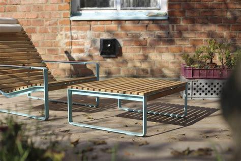 chaise longue en bois fauteuil transat table transformables en chaise longue