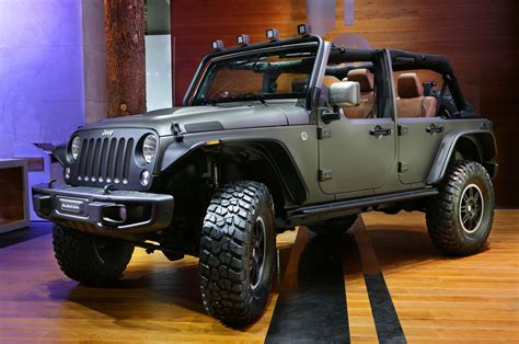 """2015 Jeep Wrangler Unlimited Rubicon """"stealth"""" Show Car"""