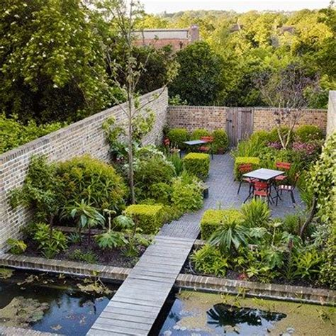 small city backyard ideas 25 best ideas about small city garden on pinterest urban garden design courtyard gardens and