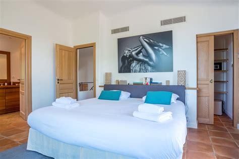 chambre de bonne à louer a louer à punta d 39 oro villa avec piscine et vue mer