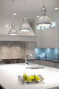 Glass pendant lights over kitchen island : Glass pendant lights for kitchen island love the clear