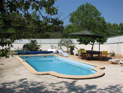 chambre d hote sanary la piscine et la terrasse