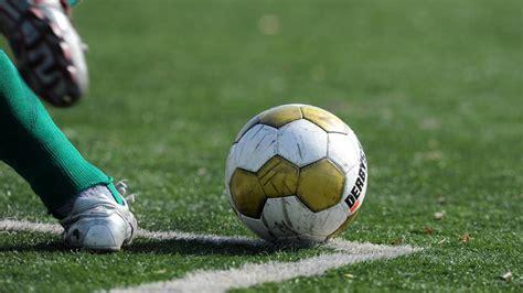 Im fussball blog aktuelle fussballnews verfolgen: Hamburg: Amateur-Fußballspiel eskaliert und endet in ...