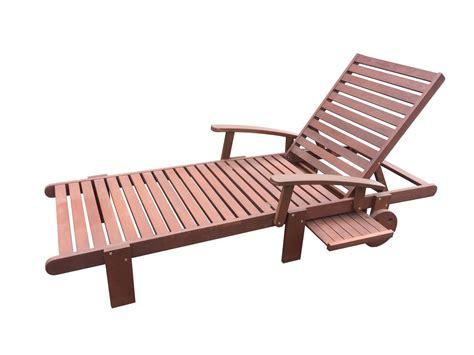 bain de soleil en bois bien choisir un transat en bois pas cher conseils et prix