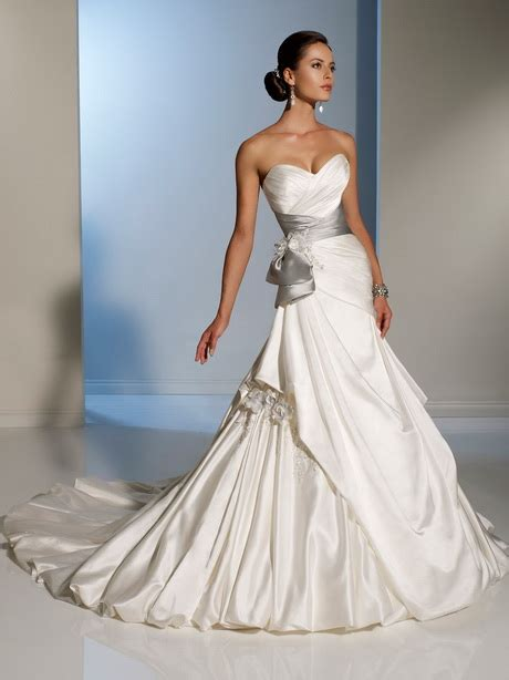 wedding gowns  color accents