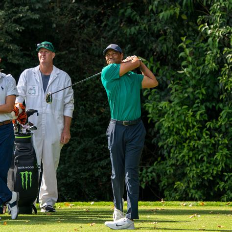 Tiger Woods : Tiger Woods Bids To Repeat Masters Glory ...