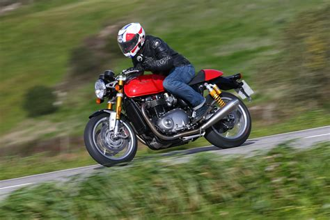 Review Triumph by Ride Triumph Thruxton R Review Visordown