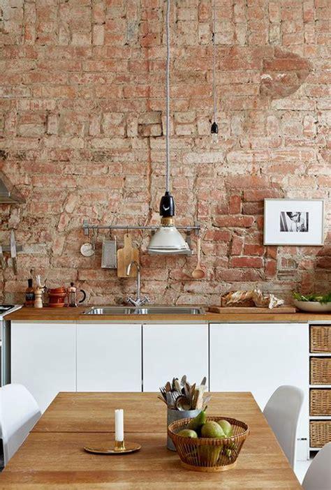 exposition cuisine la brique élément déco principal du loft contemporain archzine fr