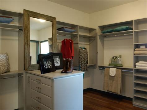 hgtv home 2010 master closet pictures and