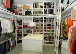 Planung Begehbarer Kleiderschrank : die besten 25 begehbarer kleiderschrank planen ideen auf pinterest kleiderschrank ideen ~ Indierocktalk.com Haus und Dekorationen