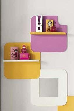 Mensole Colorate Per Bambini Composizione Di Mensole E Specchi Uso Libreria Per