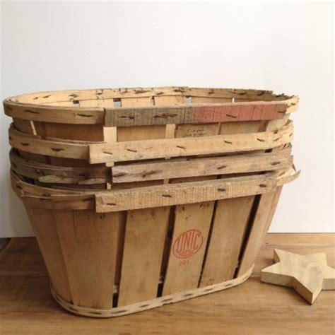 cageot cagette ancien de maraicher en bois avec etiquette d origine