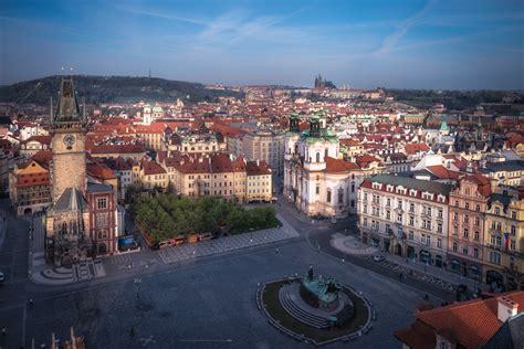 Old Town Square (Staroměstské náměstí) - Prague.eu