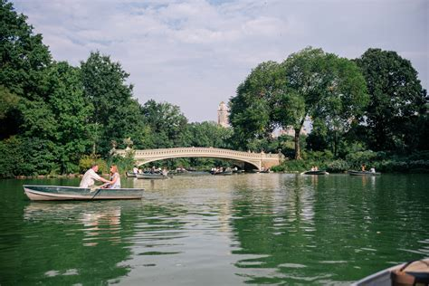 Central Park Lake Boat Rental by Boat Ride In Central Park Gal Meets Glam