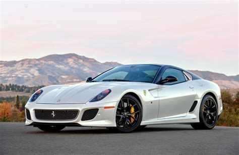 The 599 gto's styling is more aggressive, borrowing characteristics from the 599xx and from the powerful sound of the v12. Mark Cella The ALL New Ferrari 599 GTO - resurgit