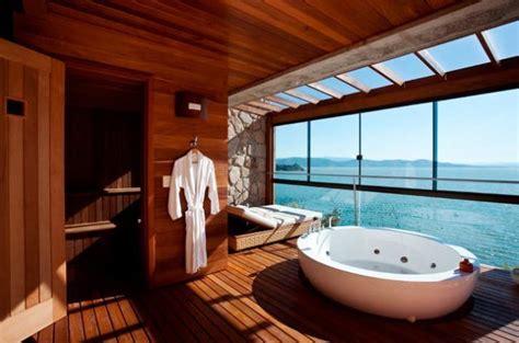 les  beaux hotels avec salle de bain avec vue elle