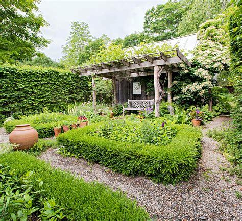 garden design  homes gardens