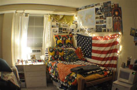 room  hinton james hall  unc dorm apartment decor