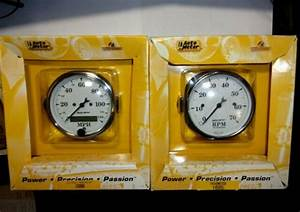 Autometer Old Tyme White 3 8 U0026quot  Electric Speedometer