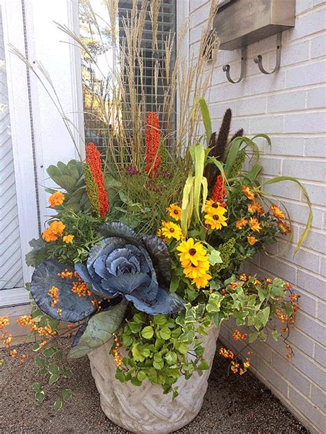 Great Fall Flower Pot Mixing Grasses Perennials And Fall