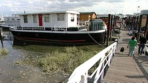 Living On A Boat Uk by News Uk Living Mortgage Free On A Houseboat