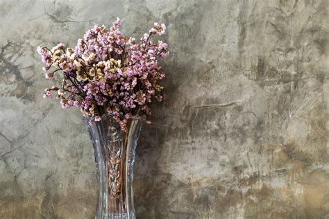 How To Preserve Flowers In A Vase by How To Flowers 5 Awesome Ways To Preserve A Bouquet