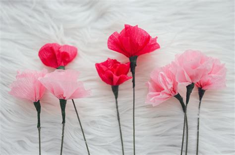 idee deco salon salle a manger cuisine offrir des fleurs papier crépon idées pour la fête des mères
