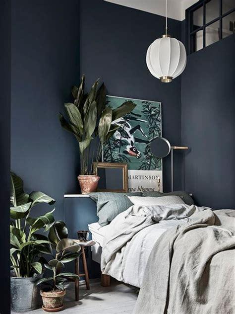 des idees deco pour une chambre bleu marine joli place