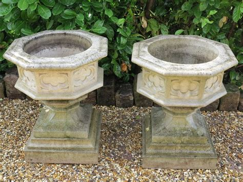 Reconstituted Stone Garden Gothic Urn On Base Planters