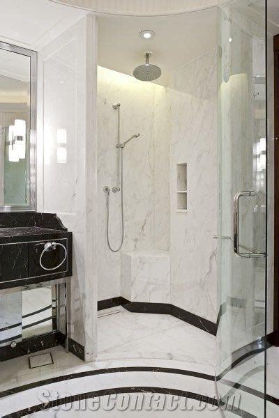 nero marquina  bianco carrara marble hotel bathroom