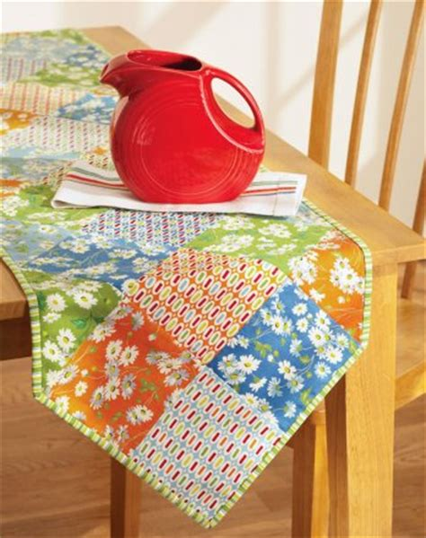 simple table runner patterns table matters allpeoplequilt com